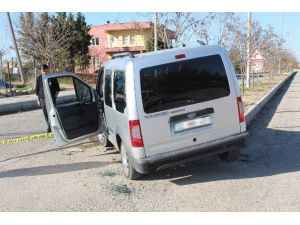 Kurşunlanan Araç Kaza Yaptı