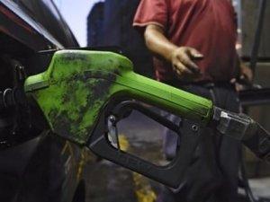 Venezuela benzine zam ve devalüasyon yaptı