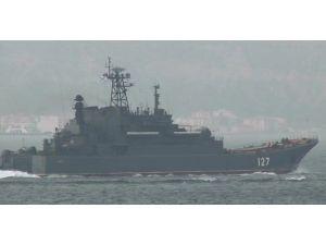 2 Rus Savaş Gemisi Boğazdan Peş Peşe Geçti