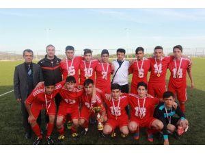 Genç Erkekler Futbol Şampiyonu Anadolu İmam Hatip Lisesi Oldu