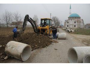 Akyazı Belediyesi Ekipleri Alt Yapı Çalışmalarına Devam Ediyor
