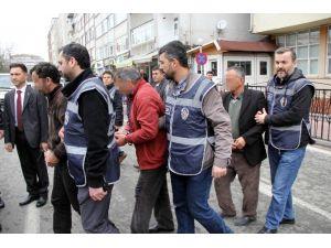 Eşini Ve Kızını Pazarladığı İddia Edilen Şahıs Tutuklandı