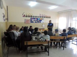 Polislerden Roket Düşen Okula Psikolojik Destek