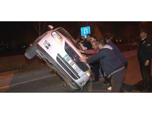 Otomobile Çarpan Cip Sürüklendi