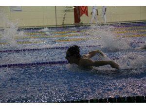 Yüzme Gençler Türkiye Grup Birinciliği Mersin'de Yapılıyor