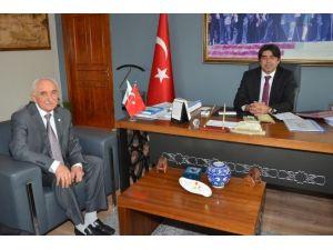 Türk Kızılay'ı Foça Şubesinden Başkan Demirağ'a Ziyaret