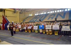 Okullararası Halkoyunları Yarışmasına 36 Ekip Katıldı