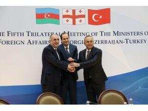 Türkiye-Azerbaycan-Gürcistan dışişleri bakanları Tiflis'te bir araya geldi