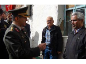 Kütahya İl Jandarma Komutanı'ndan şehit babasına taziye