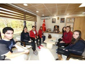 GKV'liler Dünya Birincisi Projelerini Başkan Şahin'e Tanıttı
