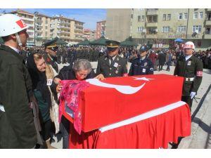 Şehit annesinden Babacan'a tepki: Böyle devlet olmaz