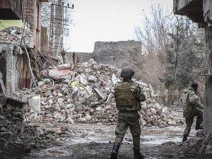 Sur'da 3 terörist etkisiz hale getirildi