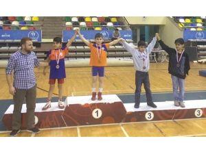 Başakşehirli Minik Güreşçilerden Büyük Başarı