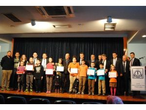 Minik Çevreciler Ödüllerini Aldılar