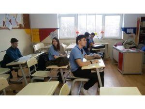 Köstence Türk okulu öğrencisi Amerikan sınavından tam puan aldı.