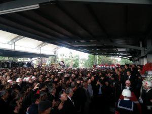 İzmir iki şehidini dua ve gözyaşlarıyla uğurladı