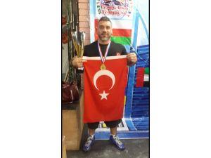Powerlifting'de iki dünya şampiyonluğu kazandık