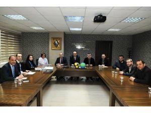 İzmit Belediyesi Okullarda Basketbol Topu Dağıtacak