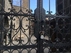 Terör, 850 Yıllık Caminin Kapısına Kilit Vurdurdu