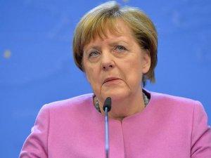 Almanya Başbakanı Merkel: Sivillerin kendini güvende hissettiği bölgelerden yanayız