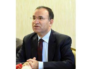 """Adalet Bakanı Bozdağ: """"Memur Gece Silahlı, Gündüz Külahlı Olmayacak"""""""