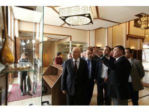 Yaşar, Konakta Gazetecileri Ağırladı