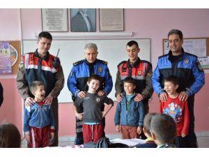TDP'den Bakraçboz İlkokulu'na Ziyaret