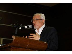 """""""İslam'ın Hayatımıza Katkıları"""" Konferansı Verildi"""