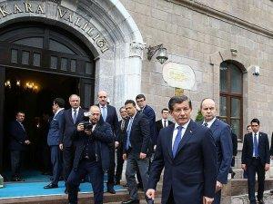 Başbakan Davutoğlu Ankara Valiliğinde brifing alıyor