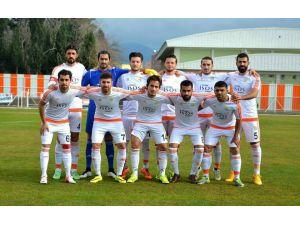 Erzin Belediyespor, 70 dakikasını 10 kişi oynadığı maçı 3-1 kazandı