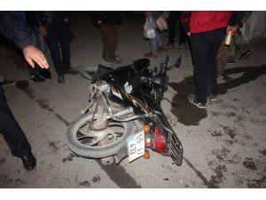 Bafra'da Otomobil İle Motosiklet Çarpıştı: 1 Yaralı