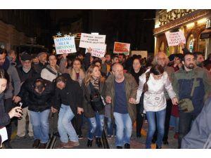Taksim'de kemençeli, horonlu 'Cerattepe' eylemi
