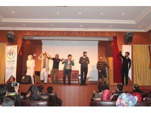 Ağrı'da Gençler Arası Skeç Yarışması