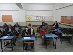 Müzik Akademisi'nden Sanatla Terapi
