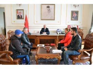 57. Alay Yürüyüş Komitesi Vali Enver Saliholu'nu Ziyaret Etti