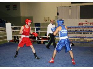 Yıldız Erkekler Boks Şampiyonası Marmaris'te Yapıldı