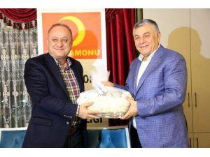 Sarıyer Belediye Başkanı Şükrü Genç, Tahsin Babaş'ın Yemeğine Katıldı