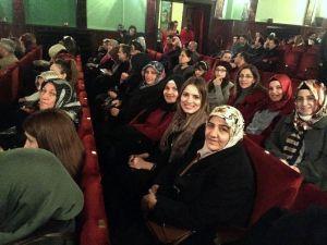Pursaklarlı Hanımlar Tiyatroda