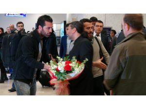 Serbest bırakılan gazeteciler İstanbul'da