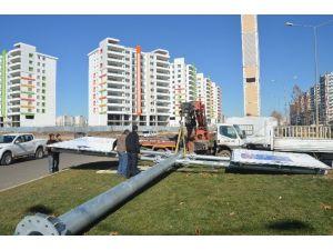 Diyarbakır'da Çok Dilli Yer Ve Yön Levhaları Asıldı