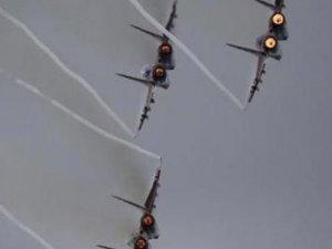Rus jetleri yanlışlıkla YPG mevzilerini vurdu!