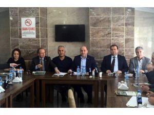Ali Çetinbaş: Mülteci Meselesi Ekonomik Kriterlere Göre Değerlendirecek Bir Husus Değildir