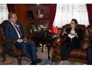 İl Defterdarı Ercoşman, Belediye Başkanı Ünver'i Ziyaret Etti