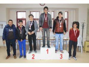 Yıldızlar Ve Gençler Satranç Turnuvası Sona Erdi
