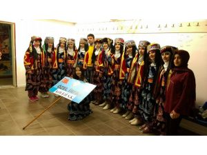Özel İrfan Okulları'ndan halk oyunları başarısı