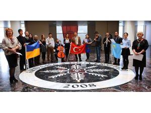 """Ardahan'dan Kırım'a """"Ey Güzel Kırım"""""""