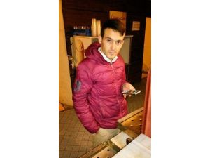 Akhisar'da 25 Yaşındaki Genç İntihar Etti