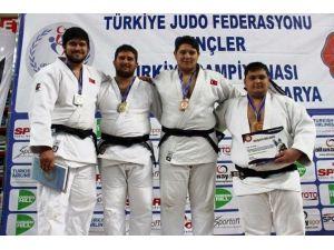 Kadir Bingöl Türkiye Şampiyonu