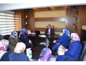 Ihh Kadınlar Komisyonundan Eğitim Bir-sen'e Teşekkür Ziyareti