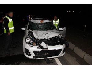 Otomobil Yayaya Çarptı: 1 Ölü, 3 Yaralı